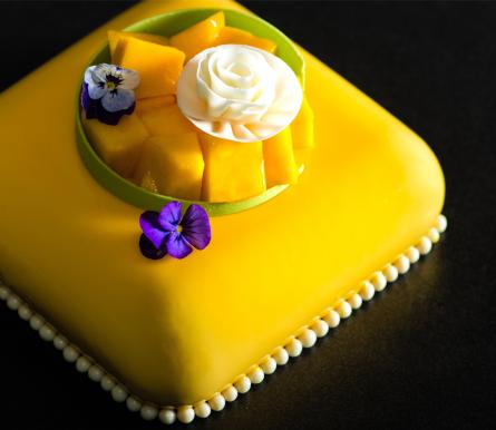 Mango-Passionfruit-Cake