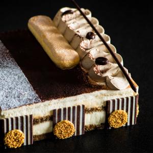 tiramisu-cake