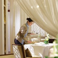 Refined Cantonese cuisine and attentive service at Man Fu Yuan make for intimate dining experiences.