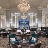 The charming centrepiece of InterContinental Singapore, The Lobby Lounge encapsulates the allure of