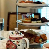 Enjoy a quaint Afternoon Tea experience at the Club InterContinental Lounge when you book our Club I