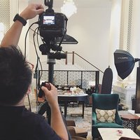 Behind the scenes of an afternoon tea shoot and working those angles.  #sgfood #photography