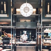 It's almost time for the show to begin.  #masterchef #ashandelm #interconsin #sgeats