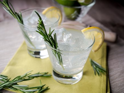 InterContinental Singapore Victoria Bar Gin & Tonic
