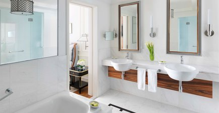 InterContinental Singapore Club Heritage Suite Bath Room