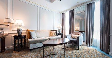 InterContinental Singapore Hotel Premier Suite Living Room